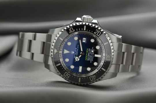 rolex-watch-time-luxury-364822.jpeg